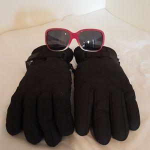 Girls black ski gloves and pink sunglasses-0014